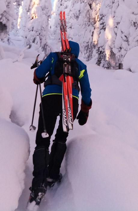 Как пристегнуть лыжи к рюкзаку calvin klein рюкзак женский купить